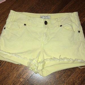 Free People Light Yellow Size 25 Jean Shorts
